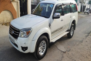 Ford Endeavour 3-2 Titanium P 4X4 At