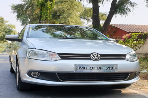 Volkswagen Vento HIGHLINE PETROL AT